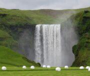 Cascada Skógafoss en sur de Islandia